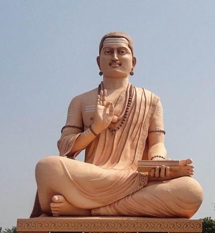 530px-Basava_Gaint_Statue_108_feet,_Basava_Kalyana