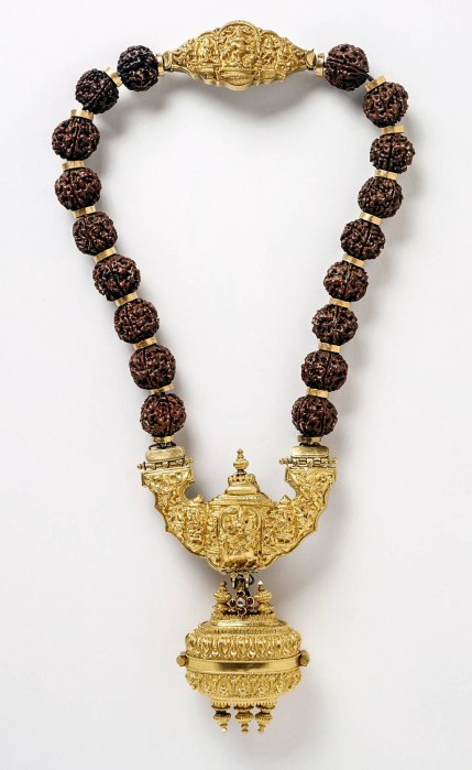 Necklace_with_Shiva's_Family_LACMA_M.85.140